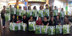 Galerie Q Hosts Painting Workshop for the Peterborough Chinese Association